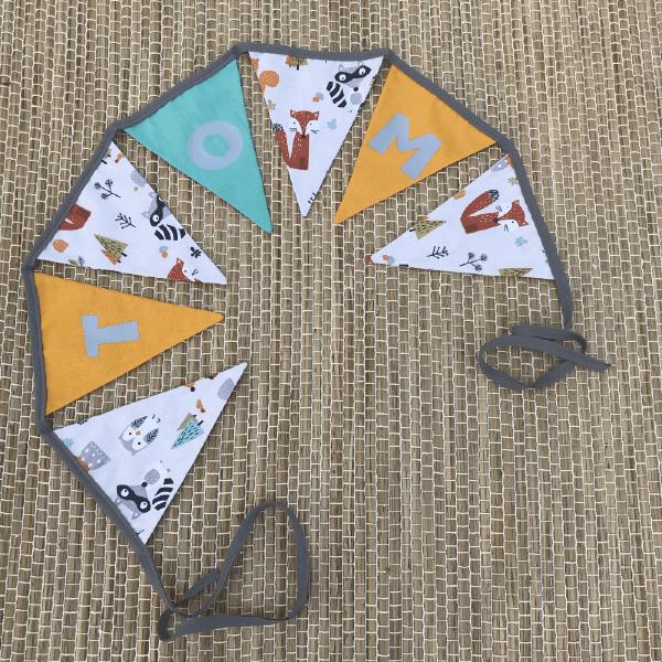 Guirlande de fanions composée de 7 drapeaux personnalisable